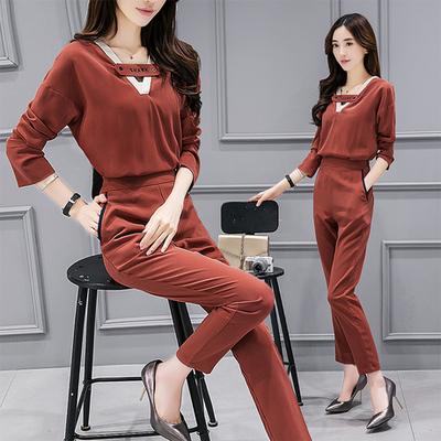 布桂坊2017春季新款韩版修身时尚绣花套装