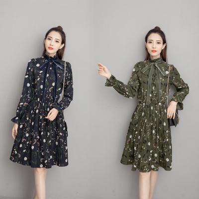 蓝莓家 2017春 优雅的复古气质 飘带 渐变百褶连衣裙  5962