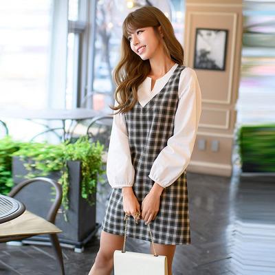 恩黛  2017新款韩版女装秋装新款宽松腰显瘦格子V领长袖连衣裙Q047F6851