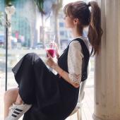 恩黛 2018秋装新款甜美学院风两件套蕾丝上衣+显瘦背带连衣裙 Q047F6687
