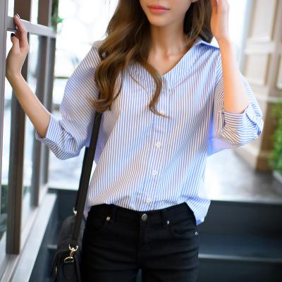 恩黛 2017新款韩版直筒宽松显瘦七分袖条纹衬衫V领上衣 Q047F6846