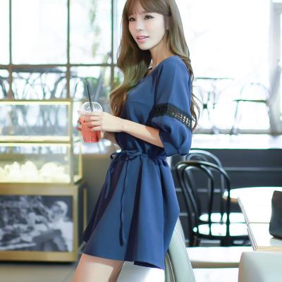 恩黛 2017新款女装韩版新款V领镂空七分袖宽松腰绑带连衣裙 Q047F6840