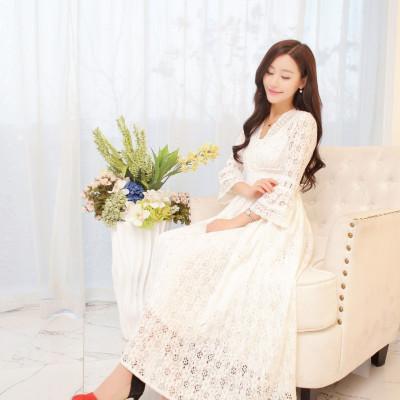 蓝莓家  2017新款韩版名媛气质喇叭袖V领蕾丝连衣裙中长裙女 071