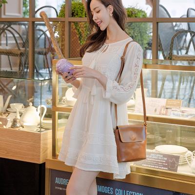恩黛 实拍2017秋季新款女装韩版长袖镂空连衣裙半开领系带中裙 Q047F6993