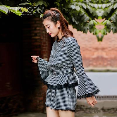 玉蕾丝2017秋装新款女装圆领喇叭袖睫毛长袖衬衣修身格子衬衫上衣17-5AR313S