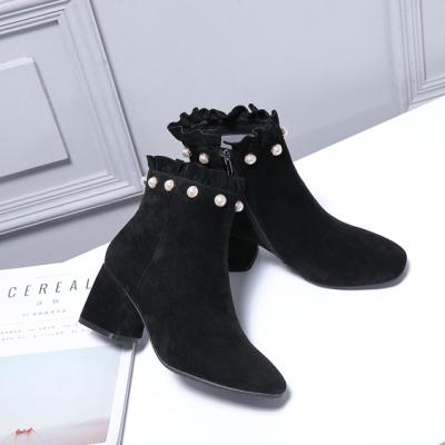 荷月诗 冬款韩版镶珍珠黑色羊京短筒女靴HG174002