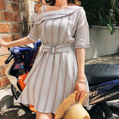 恩黛2018春夏季韩版短袖露肩连衣裙系带中裙F6291
