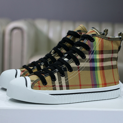 艾秀姿 流行彩虹格子布鞋高帮 B1618-1