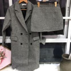 完贩  2018年新款韩版时尚千鸟格中长款套装毛呢大衣外套包臀裙套装女  011