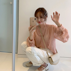 2019年新款 韩版V领小波点长袖透气衬衫女 A328