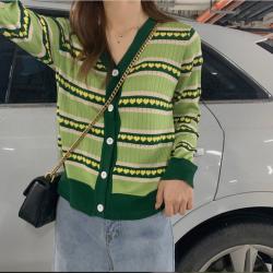优朗2019早秋新款网红chic长袖针织开衫上衣女牛油果绿色爱心针织衫4795