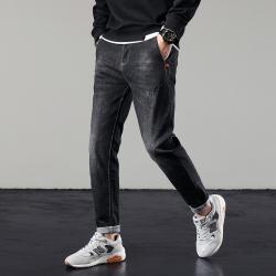 8605 舒适牛仔裤 修身有弹力简约拉长腿部效果