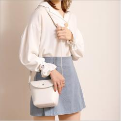 2020新款包包女潮流小清新水桶包女士斜挎包时尚简约单肩小包女包 L049