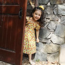 伊卡通 夏季新款时尚俏皮活泼可爱女童中式短袖小碎花公主裙连衣裙 821158