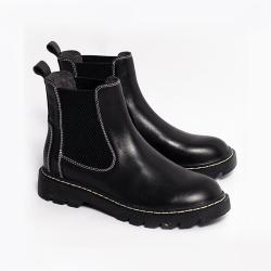 伊二三 冬季新款百搭顯腳小英倫風切爾西短靴女D202-8