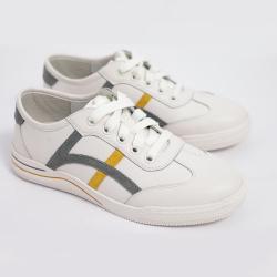 伊二三 2020秋季新款女鞋平底系帶舒適小白鞋單鞋HS201-1