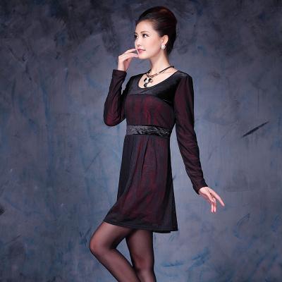 依丝路易 时尚蕾丝保暖连衣裙 13323