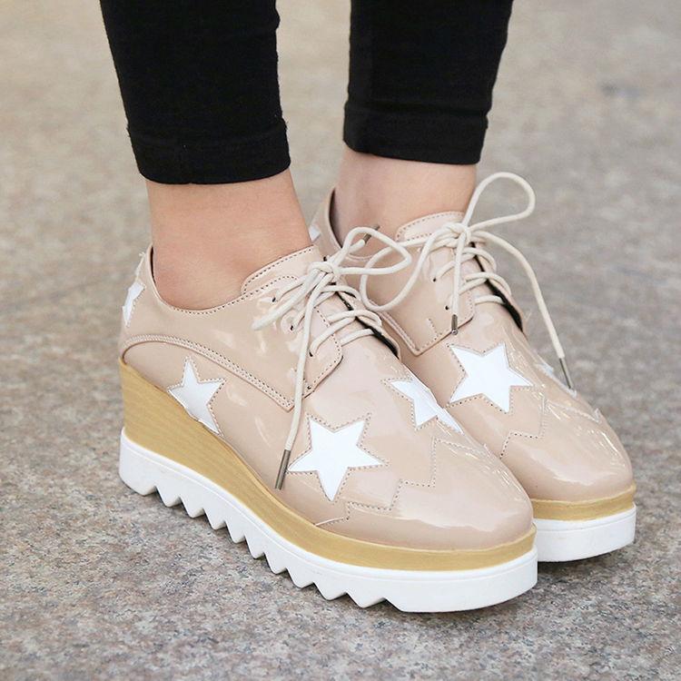厚底鞋不跟脚怎么办之妙招一:贴后跟贴