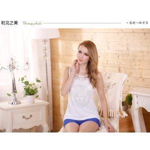 白色蕾丝衫