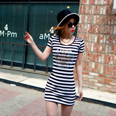 水无沙 时尚条纹短袖连衣裙 F1032